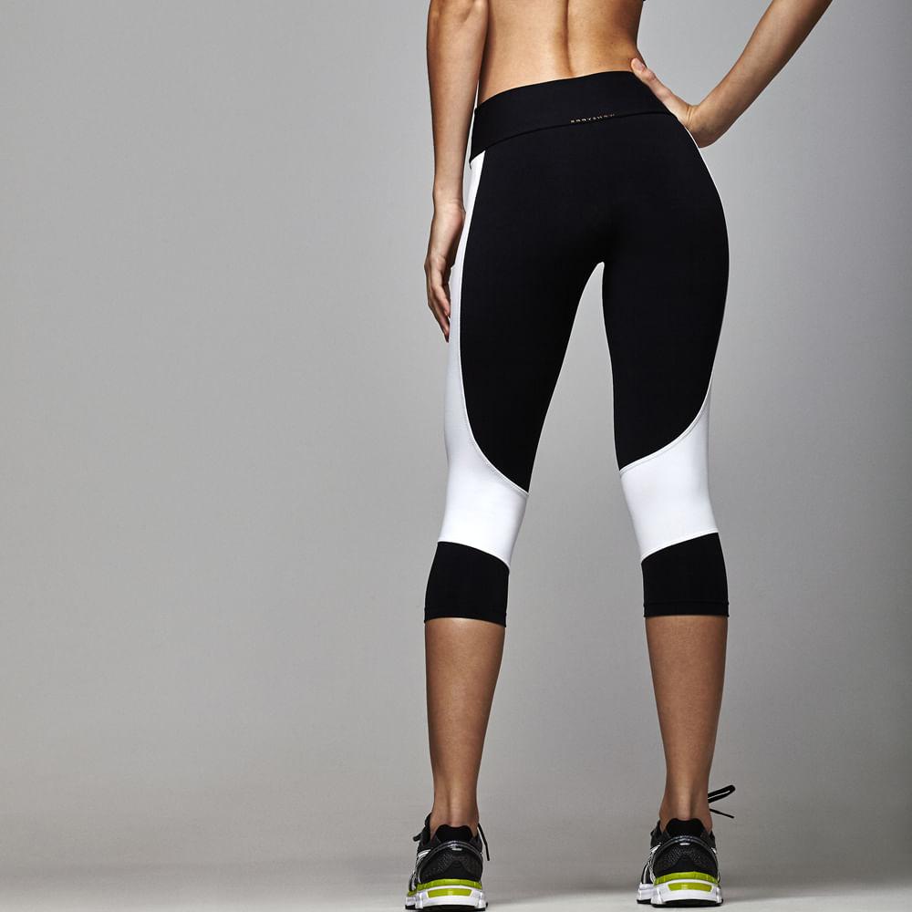 Calca-Corsario-Basic-Fitness-Body-Show-Recortes-Color-Preta